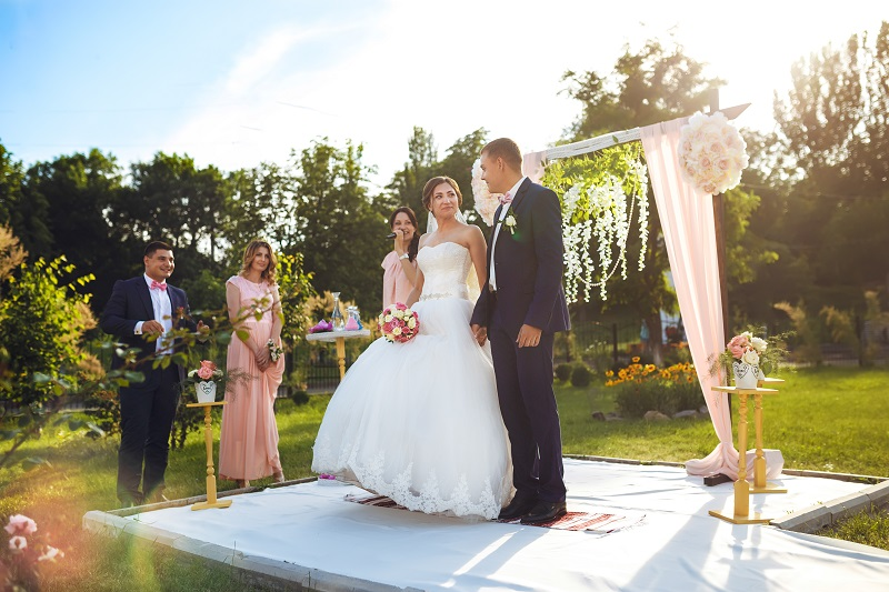 plan your wedding without any stress at the alter