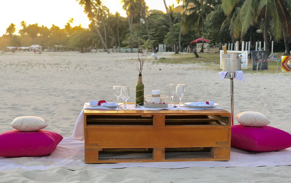 Finding The Right Man: Prerequisites For Partners dinner on the beach