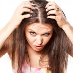 Easy Remedies to get a Dandruff-free Scalp