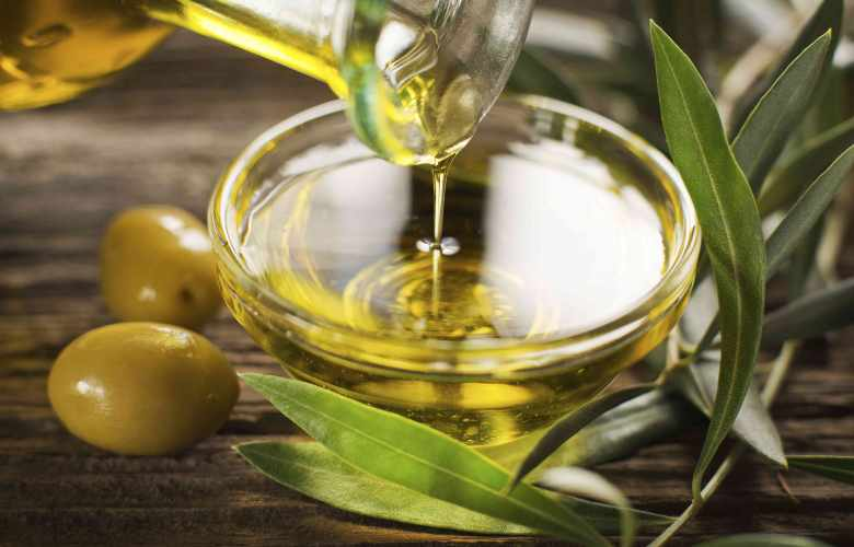 olive oil for face benefits