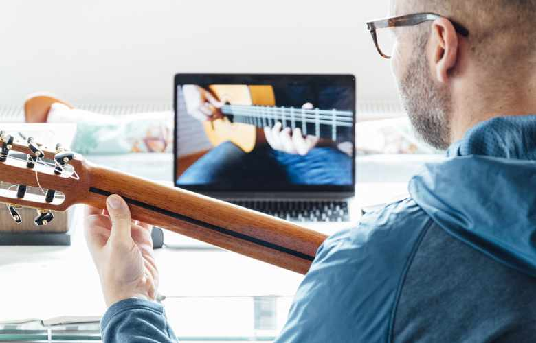 Get the best online guitar lessons